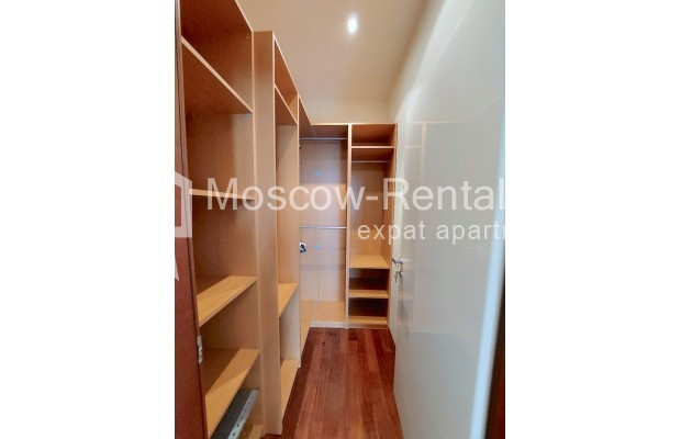 """Photo #19 4-room (3 BR) apartment for <a href=""""http://moscow-rentals.ru/en/articles/long-term-rent"""" target=""""_blank"""">a long-term</a> rent  in Russia, Moscow, Krasnoproletarskaya str, 7"""