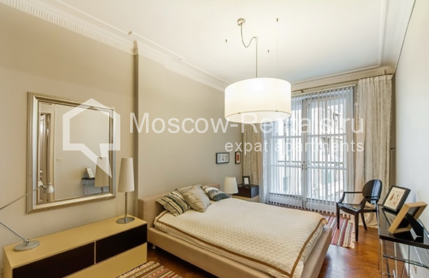 """Photo #9 3-room (2 BR) apartment for <a href=""""http://moscow-rentals.ru/en/articles/long-term-rent"""" target=""""_blank"""">a long-term</a> rent  in Russia, Moscow, Lubyansky proezd, 17"""