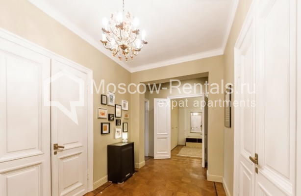 """Photo #12 3-room (2 BR) apartment for <a href=""""http://moscow-rentals.ru/en/articles/long-term-rent"""" target=""""_blank"""">a long-term</a> rent  in Russia, Moscow, Lubyansky proezd, 17"""