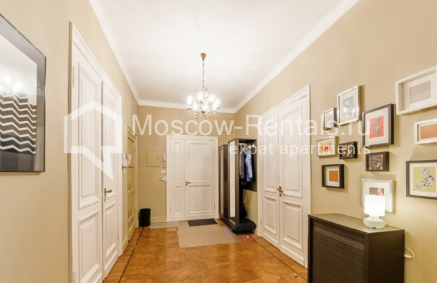 """Photo #13 3-room (2 BR) apartment for <a href=""""http://moscow-rentals.ru/en/articles/long-term-rent"""" target=""""_blank"""">a long-term</a> rent  in Russia, Moscow, Lubyansky proezd, 17"""