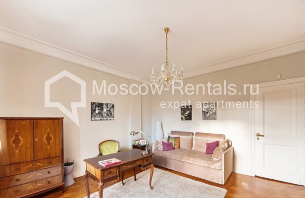 """Photo #14 3-room (2 BR) apartment for <a href=""""http://moscow-rentals.ru/en/articles/long-term-rent"""" target=""""_blank"""">a long-term</a> rent  in Russia, Moscow, Lubyansky proezd, 17"""