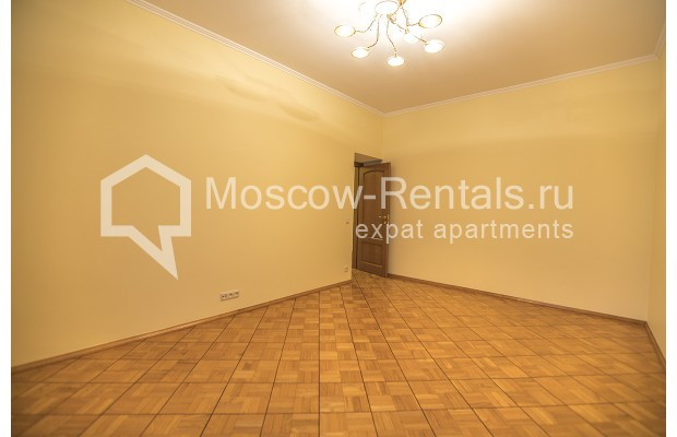 """Photo #17 4-room (3 BR) apartment for <a href=""""http://moscow-rentals.ru/en/articles/long-term-rent"""" target=""""_blank"""">a long-term</a> rent  in Russia, Moscow, Starokonushennyi lane, 32"""