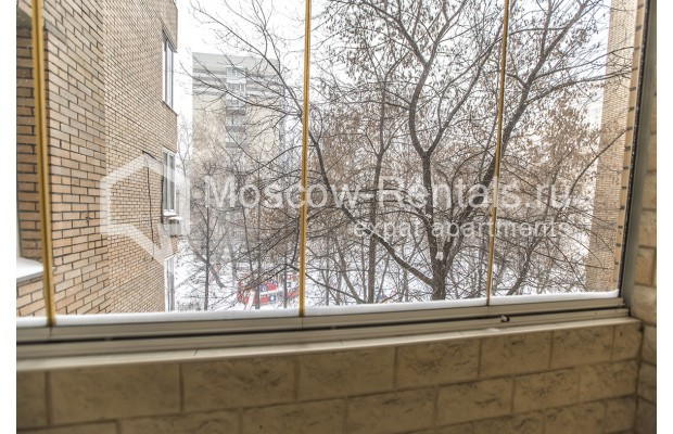 """Photo #19 4-room (3 BR) apartment for <a href=""""http://moscow-rentals.ru/en/articles/long-term-rent"""" target=""""_blank"""">a long-term</a> rent  in Russia, Moscow, Starokonushennyi lane, 32"""