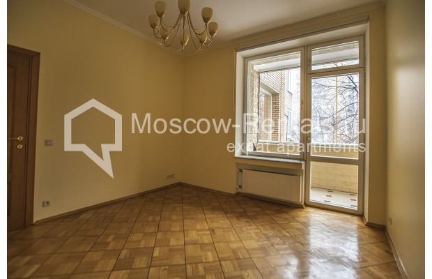 """Photo #20 4-room (3 BR) apartment for <a href=""""http://moscow-rentals.ru/en/articles/long-term-rent"""" target=""""_blank"""">a long-term</a> rent  in Russia, Moscow, Starokonushennyi lane, 32"""