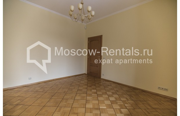 """Photo #21 4-room (3 BR) apartment for <a href=""""http://moscow-rentals.ru/en/articles/long-term-rent"""" target=""""_blank"""">a long-term</a> rent  in Russia, Moscow, Starokonushennyi lane, 32"""