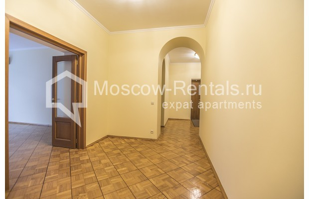 """Photo #22 4-room (3 BR) apartment for <a href=""""http://moscow-rentals.ru/en/articles/long-term-rent"""" target=""""_blank"""">a long-term</a> rent  in Russia, Moscow, Starokonushennyi lane, 32"""