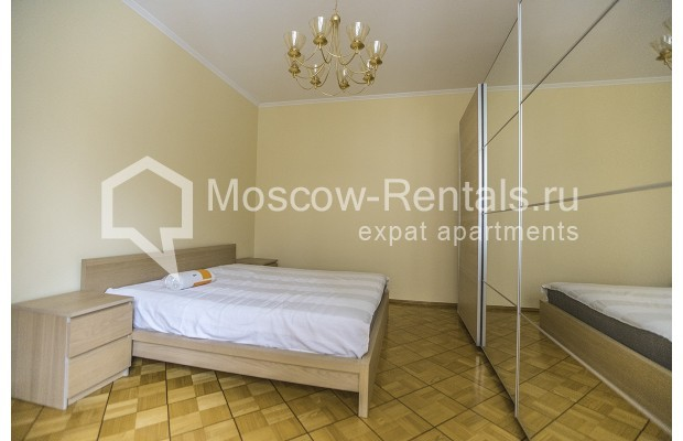 """Photo #6 4-room (3 BR) apartment for <a href=""""http://moscow-rentals.ru/en/articles/long-term-rent"""" target=""""_blank"""">a long-term</a> rent  in Russia, Moscow, Starokonushennyi lane, 32"""