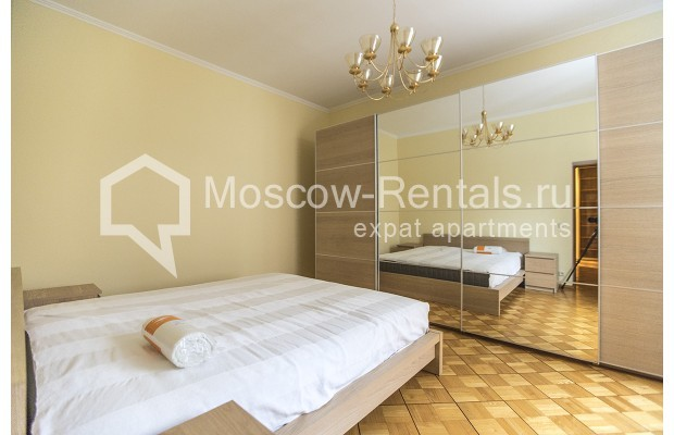 """Photo #5 4-room (3 BR) apartment for <a href=""""http://moscow-rentals.ru/en/articles/long-term-rent"""" target=""""_blank"""">a long-term</a> rent  in Russia, Moscow, Starokonushennyi lane, 32"""