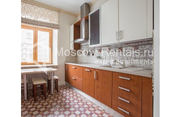 """Photo #4 3-room (2 BR) apartment for <a href=""""http://moscow-rentals.ru/en/articles/long-term-rent"""" target=""""_blank"""">a long-term</a> rent  in Russia, Moscow, Serafimovicha str, 2"""