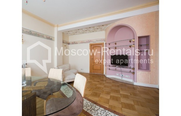"""Photo #1 3-room (2 BR) apartment for <a href=""""http://moscow-rentals.ru/en/articles/long-term-rent"""" target=""""_blank"""">a long-term</a> rent  in Russia, Moscow, Serafimovicha str, 2"""