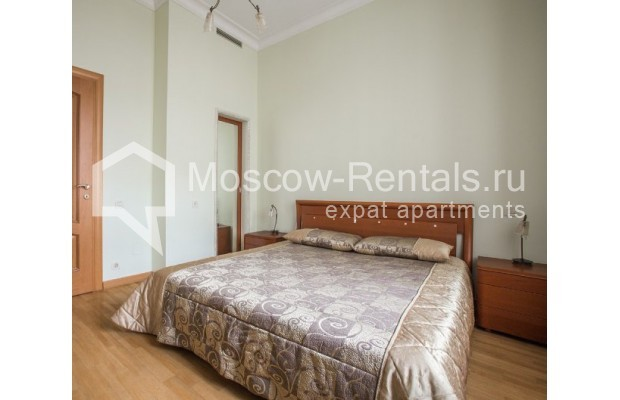 """Photo #6 3-room (2 BR) apartment for <a href=""""http://moscow-rentals.ru/en/articles/long-term-rent"""" target=""""_blank"""">a long-term</a> rent  in Russia, Moscow, Serafimovicha str, 2"""