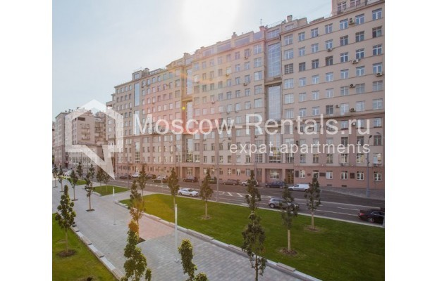 """Photo #14 3-room (2 BR) apartment for <a href=""""http://moscow-rentals.ru/en/articles/long-term-rent"""" target=""""_blank"""">a long-term</a> rent  in Russia, Moscow, Serafimovicha str, 2"""