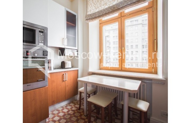 """Photo #5 3-room (2 BR) apartment for <a href=""""http://moscow-rentals.ru/en/articles/long-term-rent"""" target=""""_blank"""">a long-term</a> rent  in Russia, Moscow, Serafimovicha str, 2"""