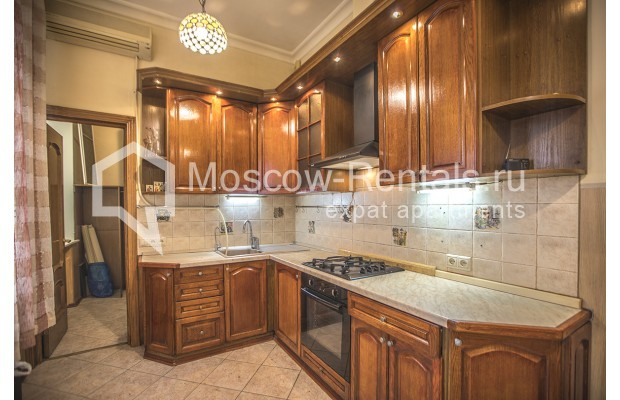 """Photo #9 5-room (4 BR) apartment for <a href=""""http://moscow-rentals.ru/en/articles/long-term-rent"""" target=""""_blank"""">a long-term</a> rent  in Russia, Moscow, Nikitskyi blv, 12"""