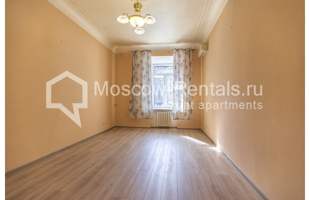 """Photo #5 5-room (4 BR) apartment for <a href=""""http://moscow-rentals.ru/en/articles/long-term-rent"""" target=""""_blank"""">a long-term</a> rent  in Russia, Moscow, Nikitskyi blv, 12"""