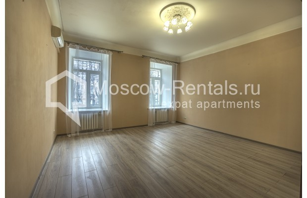 """Photo #2 5-room (4 BR) apartment for <a href=""""http://moscow-rentals.ru/en/articles/long-term-rent"""" target=""""_blank"""">a long-term</a> rent  in Russia, Moscow, Nikitskyi blv, 12"""