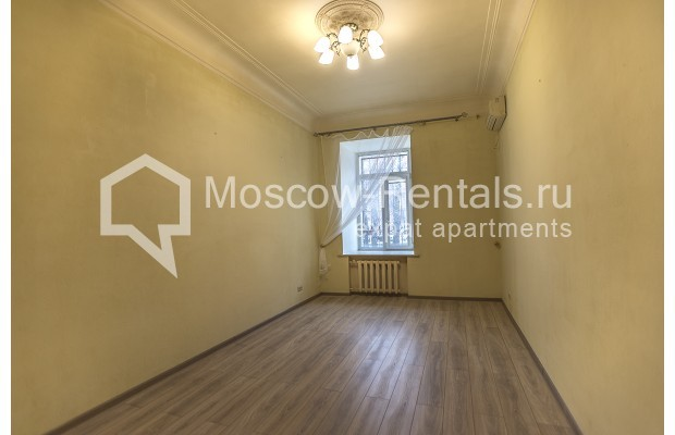 """Photo #8 5-room (4 BR) apartment for <a href=""""http://moscow-rentals.ru/en/articles/long-term-rent"""" target=""""_blank"""">a long-term</a> rent  in Russia, Moscow, Nikitskyi blv, 12"""