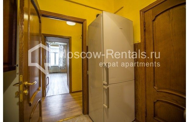 """Photo #11 5-room (4 BR) apartment for <a href=""""http://moscow-rentals.ru/en/articles/long-term-rent"""" target=""""_blank"""">a long-term</a> rent  in Russia, Moscow, Nikitskyi blv, 12"""