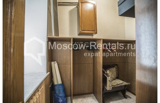 """Photo #12 5-room (4 BR) apartment for <a href=""""http://moscow-rentals.ru/en/articles/long-term-rent"""" target=""""_blank"""">a long-term</a> rent  in Russia, Moscow, Nikitskyi blv, 12"""