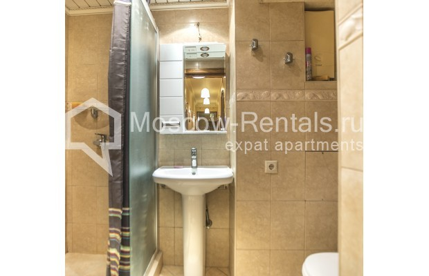 """Photo #15 5-room (4 BR) apartment for <a href=""""http://moscow-rentals.ru/en/articles/long-term-rent"""" target=""""_blank"""">a long-term</a> rent  in Russia, Moscow, Nikitskyi blv, 12"""