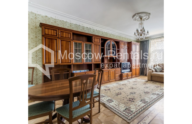 """Photo #1 4-room (3 BR) apartment for <a href=""""http://moscow-rentals.ru/en/articles/long-term-rent"""" target=""""_blank"""">a long-term</a> rent  in Russia, Moscow, Smolenskaya-Sennaya sq., 23/25"""