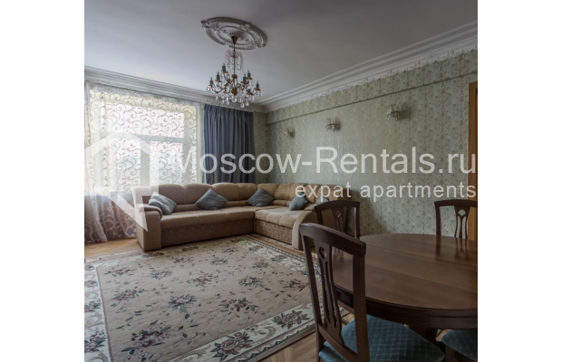 """Photo #3 4-room (3 BR) apartment for <a href=""""http://moscow-rentals.ru/en/articles/long-term-rent"""" target=""""_blank"""">a long-term</a> rent  in Russia, Moscow, Smolenskaya-Sennaya sq., 23/25"""
