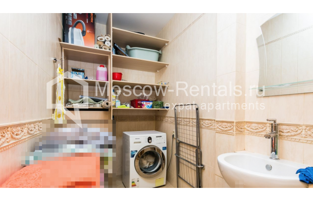 """Photo #17 4-room (3 BR) apartment for <a href=""""http://moscow-rentals.ru/en/articles/long-term-rent"""" target=""""_blank"""">a long-term</a> rent  in Russia, Moscow, Smolenskaya-Sennaya sq., 23/25"""