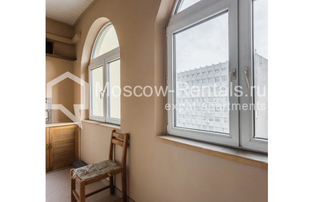 """Photo #18 4-room (3 BR) apartment for <a href=""""http://moscow-rentals.ru/en/articles/long-term-rent"""" target=""""_blank"""">a long-term</a> rent  in Russia, Moscow, Smolenskaya-Sennaya sq., 23/25"""