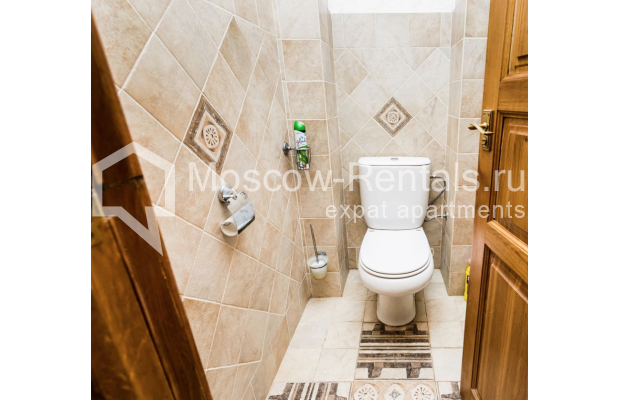 """Photo #19 4-room (3 BR) apartment for <a href=""""http://moscow-rentals.ru/en/articles/long-term-rent"""" target=""""_blank"""">a long-term</a> rent  in Russia, Moscow, Smolenskaya-Sennaya sq., 23/25"""