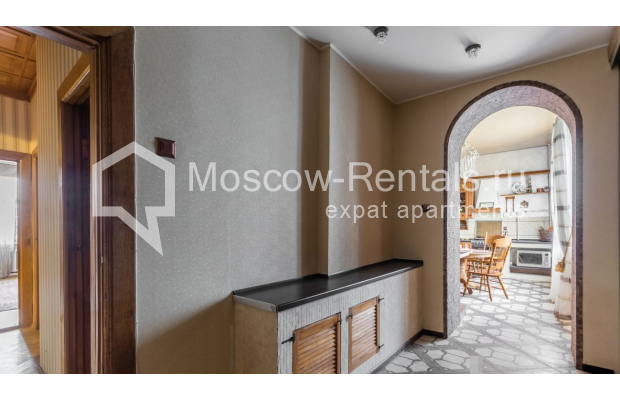 """Photo #23 4-room (3 BR) apartment for <a href=""""http://moscow-rentals.ru/en/articles/long-term-rent"""" target=""""_blank"""">a long-term</a> rent  in Russia, Moscow, Smolenskaya-Sennaya sq., 23/25"""