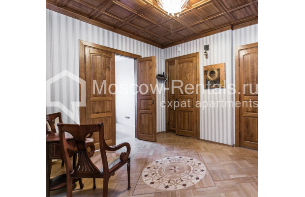 """Photo #24 4-room (3 BR) apartment for <a href=""""http://moscow-rentals.ru/en/articles/long-term-rent"""" target=""""_blank"""">a long-term</a> rent  in Russia, Moscow, Smolenskaya-Sennaya sq., 23/25"""
