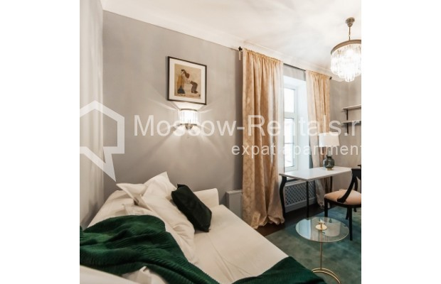 """Photo #10 4-room (3 BR) apartment for <a href=""""http://moscow-rentals.ru/en/articles/long-term-rent"""" target=""""_blank"""">a long-term</a> rent  in Russia, Moscow, Nashchokinskyi lane, 5С5"""