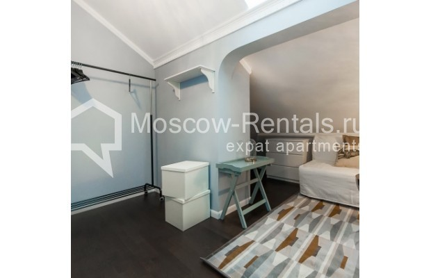 """Photo #11 4-room (3 BR) apartment for <a href=""""http://moscow-rentals.ru/en/articles/long-term-rent"""" target=""""_blank"""">a long-term</a> rent  in Russia, Moscow, Nashchokinskyi lane, 5С5"""