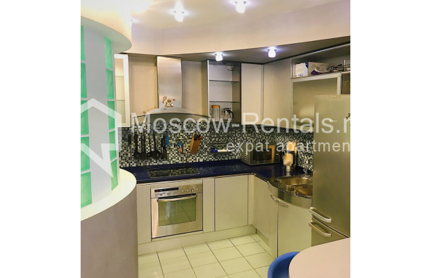 """Photo #6 4-room (3 BR) apartment for <a href=""""http://moscow-rentals.ru/en/articles/long-term-rent"""" target=""""_blank"""">a long-term</a> rent  in Russia, Moscow, Novinskyi blv, 18 С 1"""