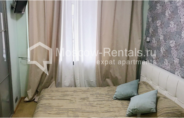 """Photo #7 4-room (3 BR) apartment for <a href=""""http://moscow-rentals.ru/en/articles/long-term-rent"""" target=""""_blank"""">a long-term</a> rent  in Russia, Moscow, Novinskyi blv, 18 С 1"""