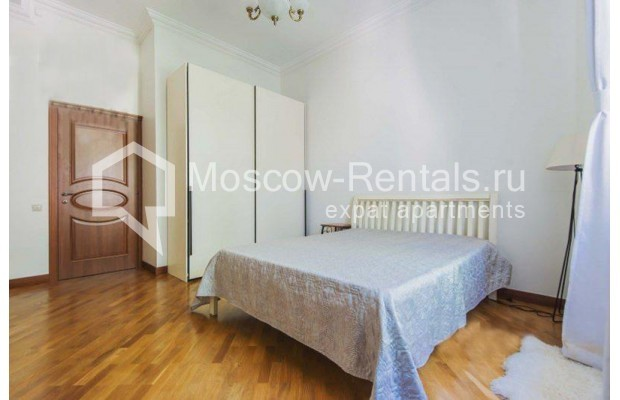 """Photo #4 3-room (2 BR) apartment for <a href=""""http://moscow-rentals.ru/en/articles/long-term-rent"""" target=""""_blank"""">a long-term</a> rent  in Russia, Moscow, Novinskyi blv 28/35, С 1"""