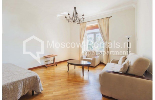 """Photo #1 3-room (2 BR) apartment for <a href=""""http://moscow-rentals.ru/en/articles/long-term-rent"""" target=""""_blank"""">a long-term</a> rent  in Russia, Moscow, Novinskyi blv 28/35, С 1"""