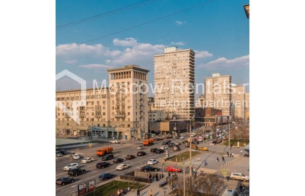 """Photo #1 3-room (2 BR) apartment for <a href=""""http://moscow-rentals.ru/en/articles/long-term-rent"""" target=""""_blank"""">a long-term</a> rent  in Russia, Moscow, New Arbat str, 23"""