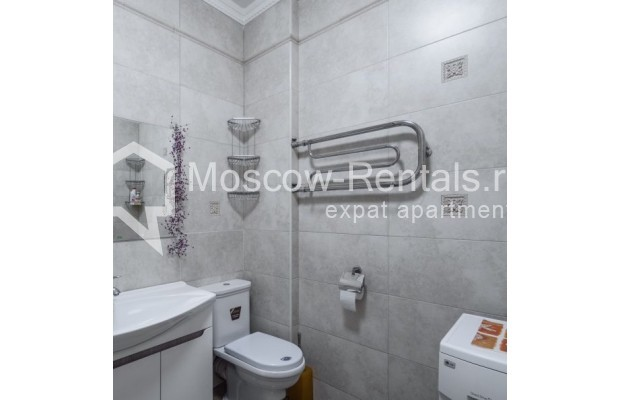 """Photo #11 3-room (2 BR) apartment for <a href=""""http://moscow-rentals.ru/en/articles/long-term-rent"""" target=""""_blank"""">a long-term</a> rent  in Russia, Moscow, New Arbat str, 23"""
