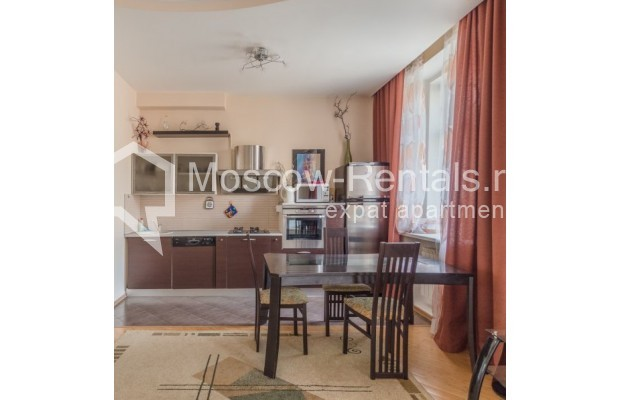 """Photo #6 3-room (2 BR) apartment for <a href=""""http://moscow-rentals.ru/en/articles/long-term-rent"""" target=""""_blank"""">a long-term</a> rent  in Russia, Moscow, New Arbat str, 23"""
