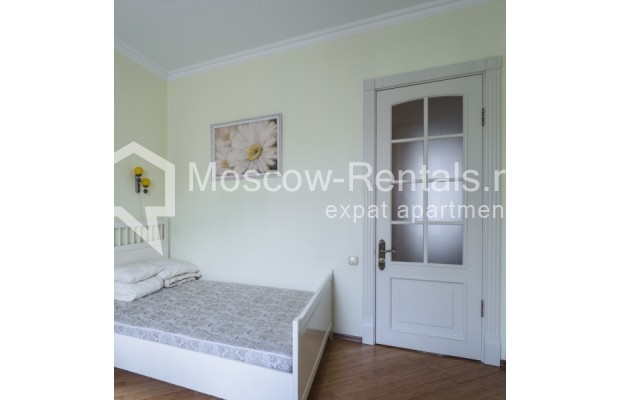 """Photo #7 3-room (2 BR) apartment for <a href=""""http://moscow-rentals.ru/en/articles/long-term-rent"""" target=""""_blank"""">a long-term</a> rent  in Russia, Moscow, New Arbat str, 23"""