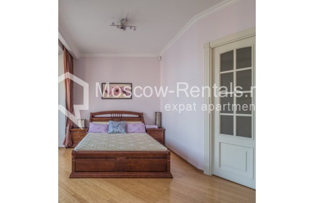 """Photo #8 3-room (2 BR) apartment for <a href=""""http://moscow-rentals.ru/en/articles/long-term-rent"""" target=""""_blank"""">a long-term</a> rent  in Russia, Moscow, New Arbat str, 23"""