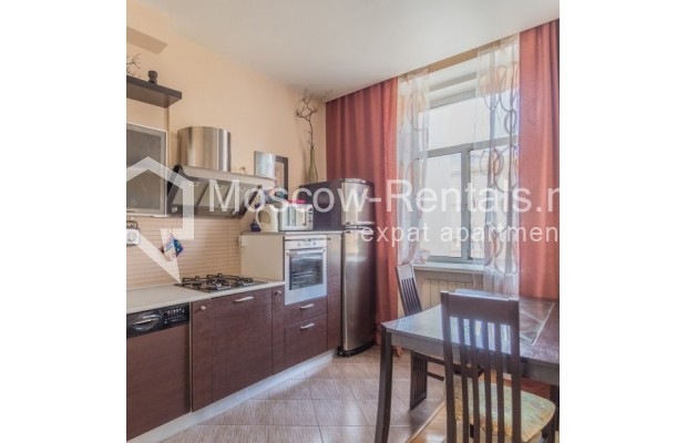 """Photo #5 3-room (2 BR) apartment for <a href=""""http://moscow-rentals.ru/en/articles/long-term-rent"""" target=""""_blank"""">a long-term</a> rent  in Russia, Moscow, New Arbat str, 23"""