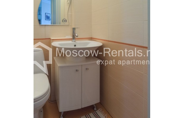 """Photo #10 3-room (2 BR) apartment for <a href=""""http://moscow-rentals.ru/en/articles/long-term-rent"""" target=""""_blank"""">a long-term</a> rent  in Russia, Moscow, New Arbat str, 23"""