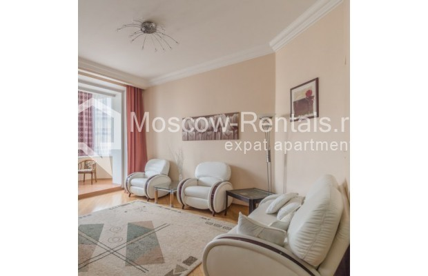 """Photo #2 3-room (2 BR) apartment for <a href=""""http://moscow-rentals.ru/en/articles/long-term-rent"""" target=""""_blank"""">a long-term</a> rent  in Russia, Moscow, New Arbat str, 23"""