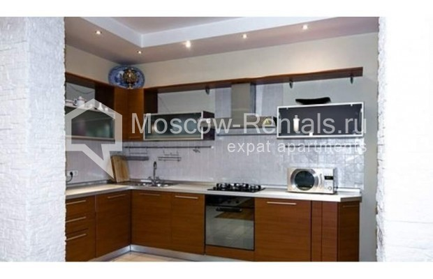 """Photo #6 3-room (2 BR) apartment for <a href=""""http://moscow-rentals.ru/en/articles/long-term-rent"""" target=""""_blank"""">a long-term</a> rent  in Russia, Moscow, Novinskyi blv., 7"""