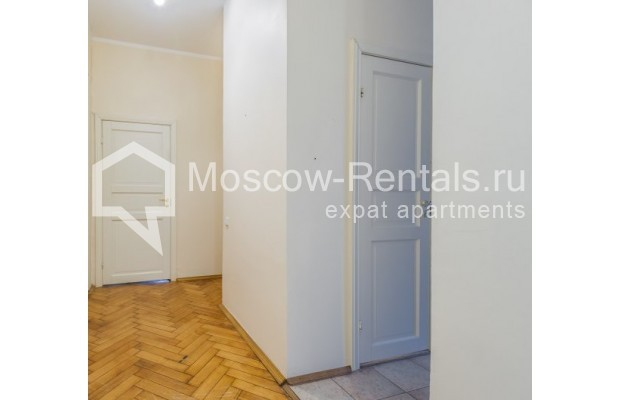 """Photo #6 4-room (3 BR) apartment for <a href=""""http://moscow-rentals.ru/en/articles/long-term-rent"""" target=""""_blank"""">a long-term</a> rent  in Russia, Moscow, Maly Levshinkyi lane, 12"""