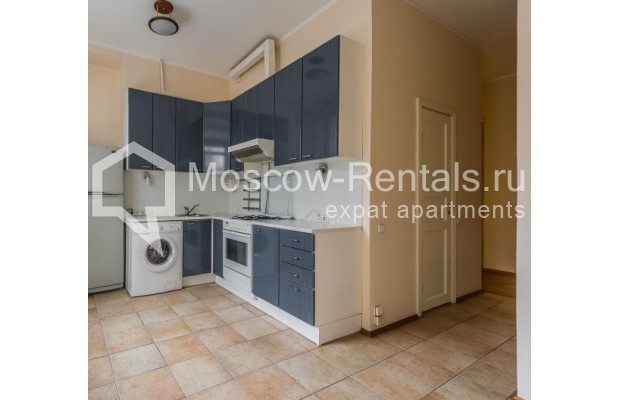 """Photo #7 4-room (3 BR) apartment for <a href=""""http://moscow-rentals.ru/en/articles/long-term-rent"""" target=""""_blank"""">a long-term</a> rent  in Russia, Moscow, Maly Levshinkyi lane, 12"""
