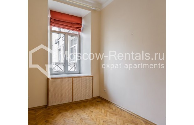 """Photo #4 4-room (3 BR) apartment for <a href=""""http://moscow-rentals.ru/en/articles/long-term-rent"""" target=""""_blank"""">a long-term</a> rent  in Russia, Moscow, Maly Levshinkyi lane, 12"""