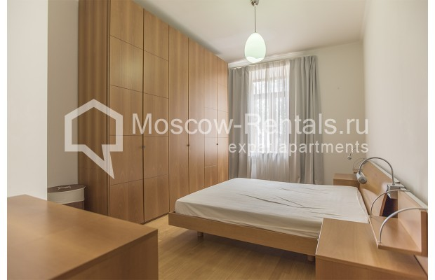 """Photo #7 4-room (3 BR) apartment for <a href=""""http://moscow-rentals.ru/en/articles/long-term-rent"""" target=""""_blank"""">a long-term</a> rent  in Russia, Moscow, Brusov lane, 2/14С4"""